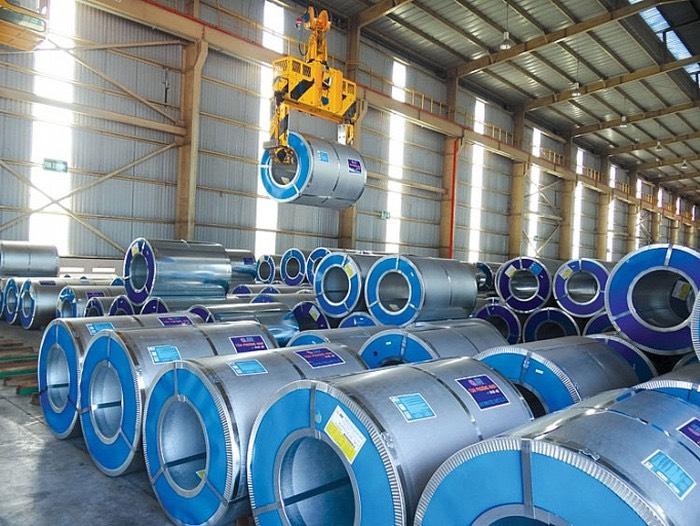Tôn Phương Nam được sản xuất dạng cuộn để dễ dàng đóng gói và vận chuyển